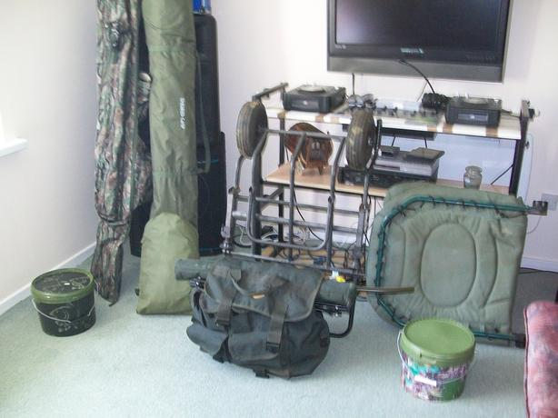 CARP FISHING TACKLE JOB LOT.