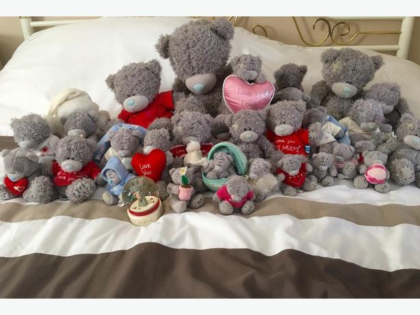 Job lot of 34 Tatty Teddy Me To You Bears and a Snow Globe