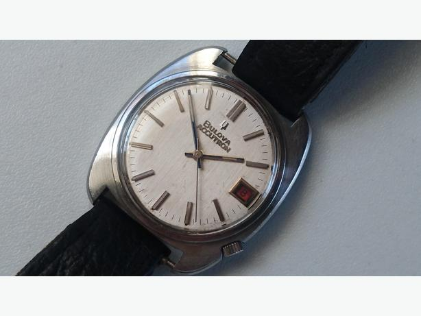 VINTAGE 70S ALL S/STL BULOVA ACCUTRON TUNING FORK MENS DATE WATCH GWO