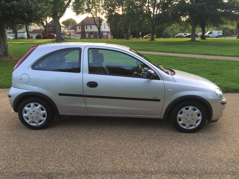 2005 vauxhall corsa 1 0 life twinport low mileage 33k dudley dudley. Black Bedroom Furniture Sets. Home Design Ideas