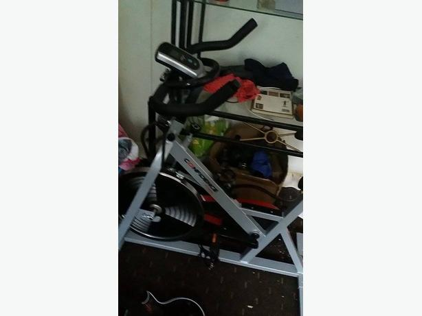 excrise bike and thing thing going side to side