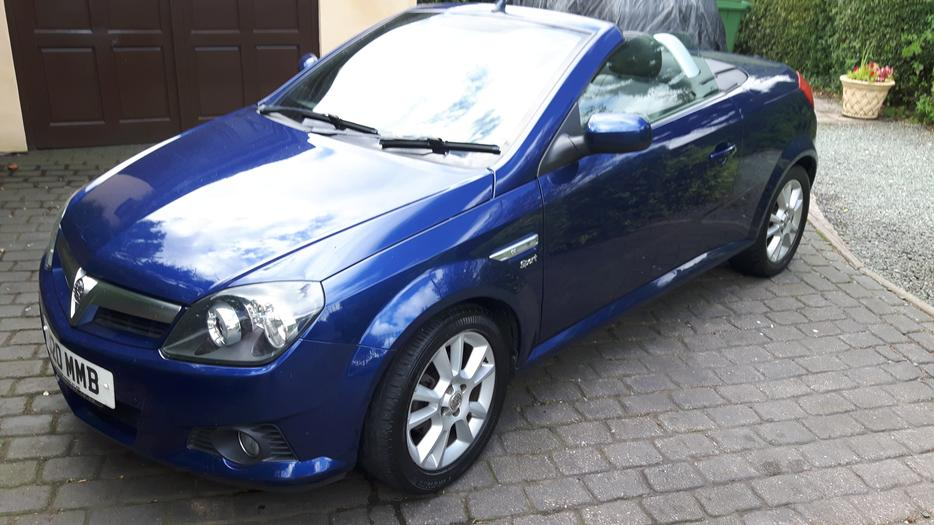 vauxhall tigra convertible dudley dudley. Black Bedroom Furniture Sets. Home Design Ideas