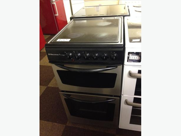 ELECTROLUX 50 CM WIDE ELECTRIC COOKER WITH GUARANTEE