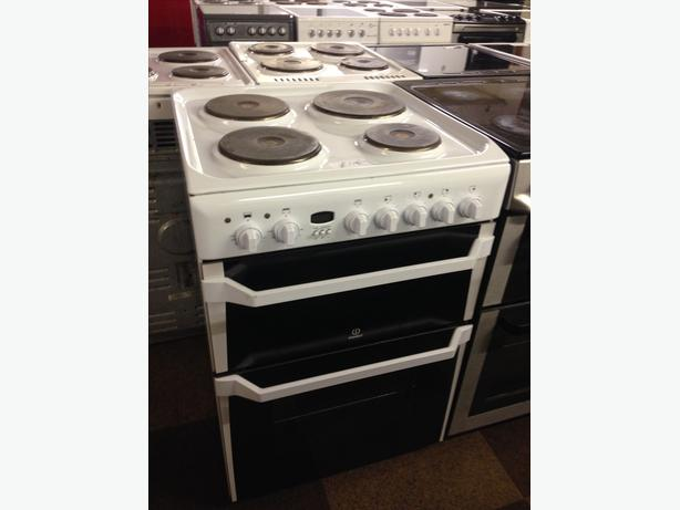 WHITE 60 CM WIDE PLATED ELECTRIC COOKER WITH GUARANTEE
