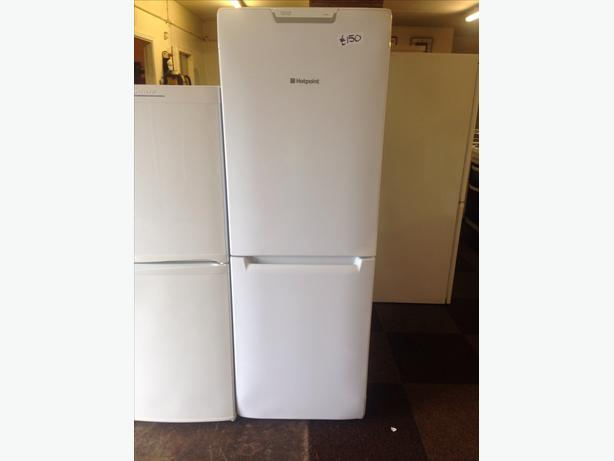 HOTPOINT FRIDGE FREEZER WHITE08