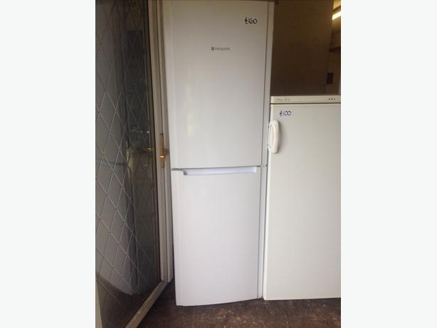 HOTPOINT FRIDGE FREEZER29