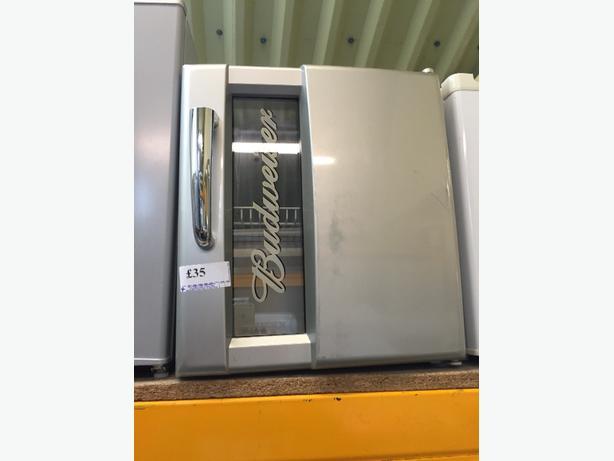 🏵🏵bud fridge at wv10 0bu
