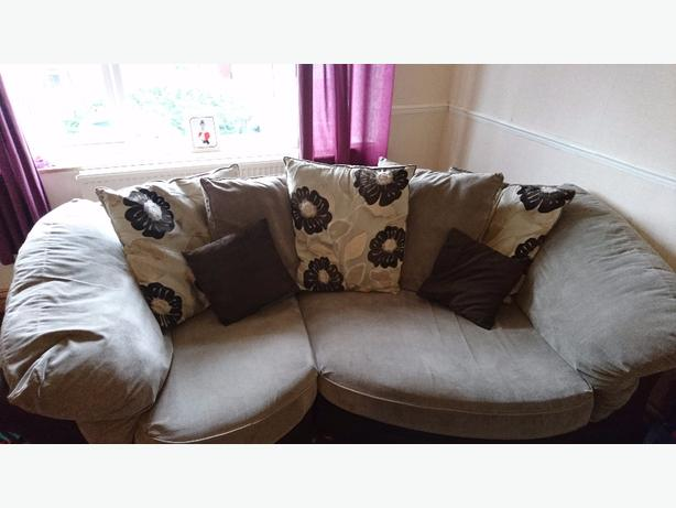 Snuggle sofa and chair