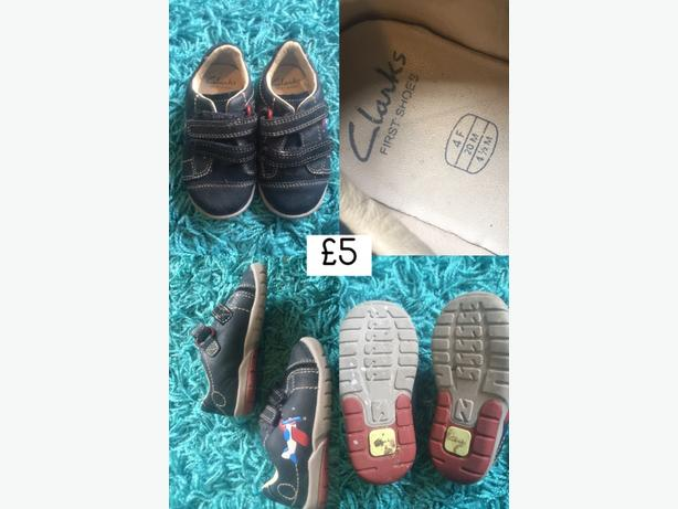 size 4 clarks shoes