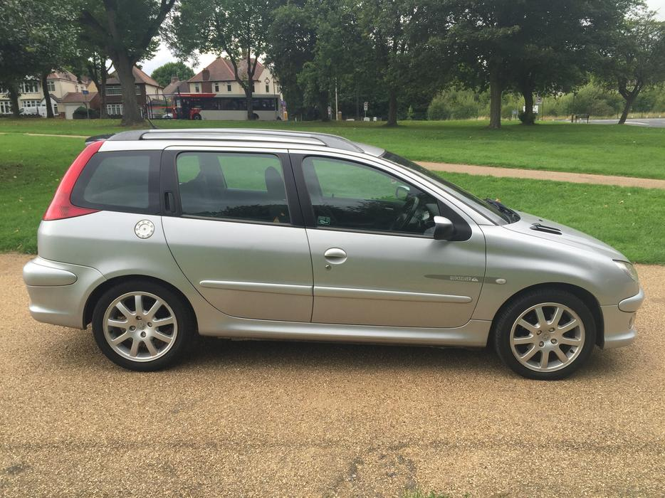 peugeot 206 sw quicksilver 2 0 hdi low mileage dudley dudley. Black Bedroom Furniture Sets. Home Design Ideas