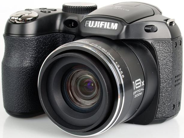 Fujifilm FinePix S2980 14.0 MP Compact Digital Camera