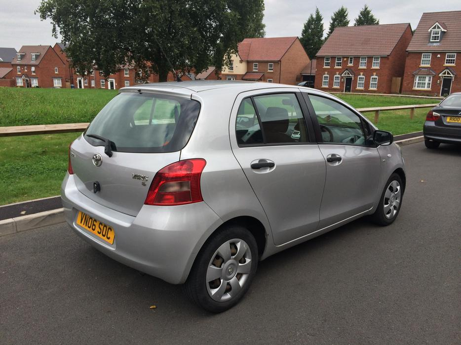 2006 toyota yaris 1 4 d4d 5 door 0 owner from new low miles corsa micra smethwick dudley. Black Bedroom Furniture Sets. Home Design Ideas