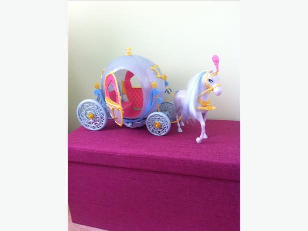 Disney Cinderella carriage and horse