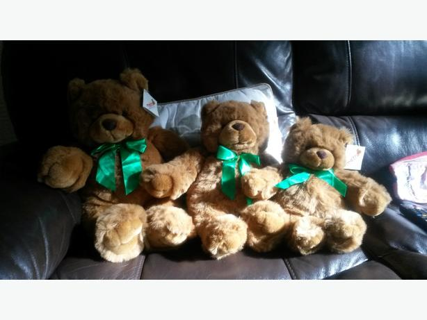 Metro 3 Teddy Bears !!! Collectable Bargain
