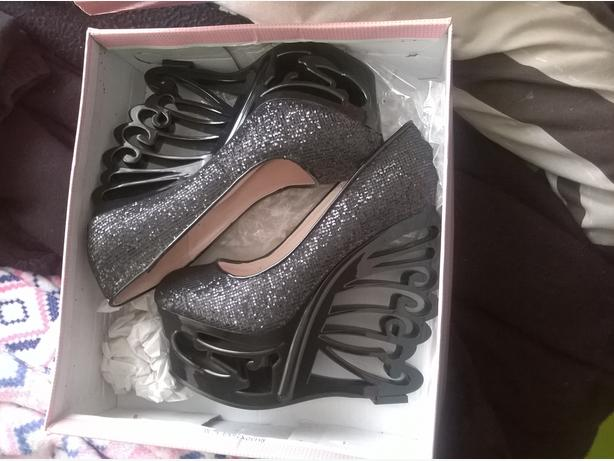 Black glittery shoes size 4