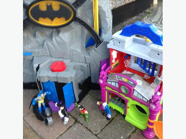 Bat cave with figures and Spider-Man house
