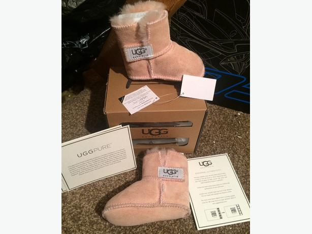 Genuine baby Uggs size small 6-12mths