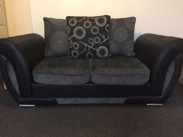 sofa seatee 3 +2 seater 6 MONTHS OLD!