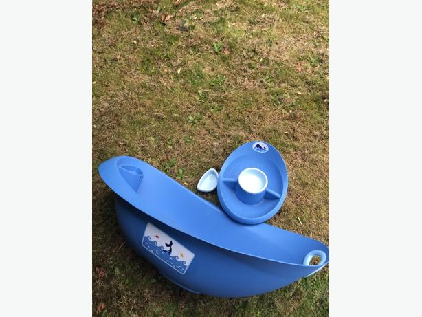 Mothercare baby bath and top&tail bowl - whale bay