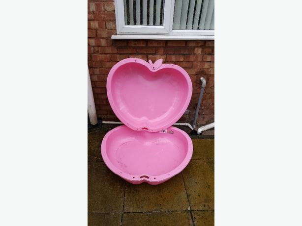 Heart shaped 2 piece sand and water pit