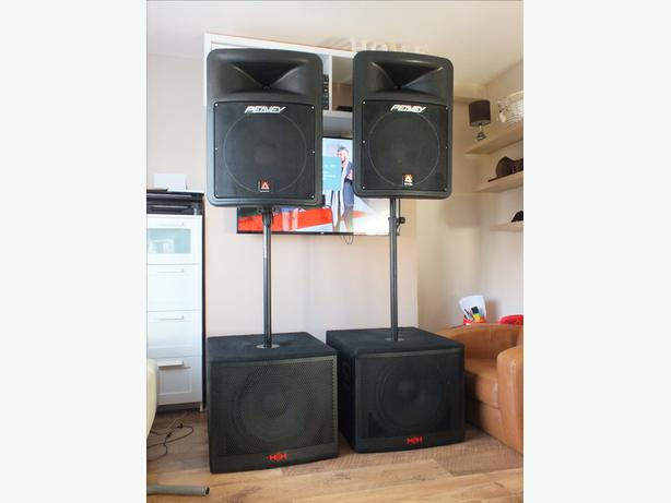 Peavey impulse 1015 1400 w rms and HH bass bins 400 W rms