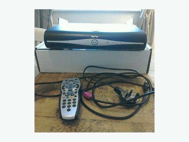 Sky + HD Box 500 GB plus cable and remote control