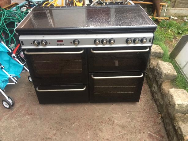 double oven and hot plate coocker