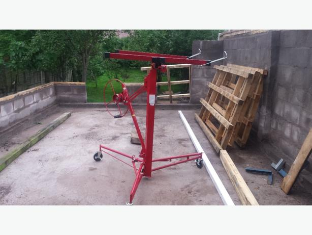 nearly new plaster board lifter, only used twice, great condition.