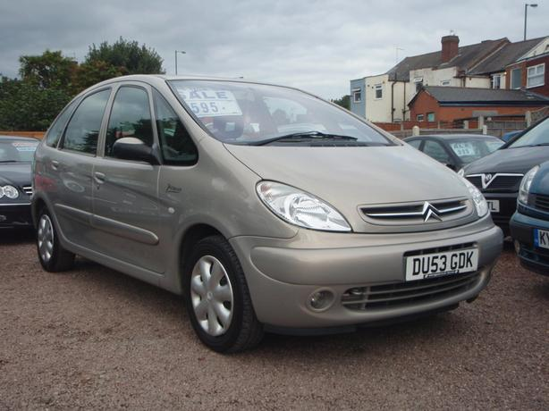 citroen xsara picasso 2 0 hdi desire 5dr willenhall wolverhampton. Black Bedroom Furniture Sets. Home Design Ideas