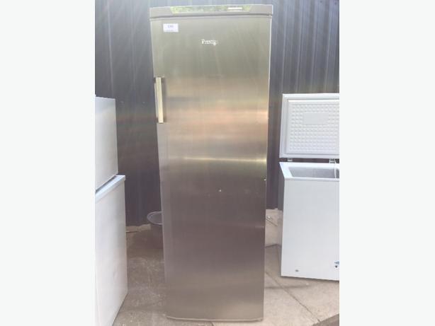 ☀️🎈prestige larder fridge all working