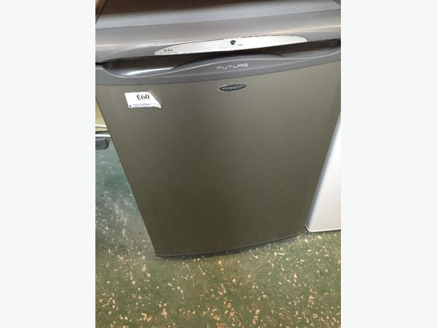 FOR TRADE: ☀️hotpoint future fridge silver free delivery