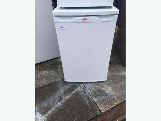 ☀️🏵swan ice box fridge free delivery