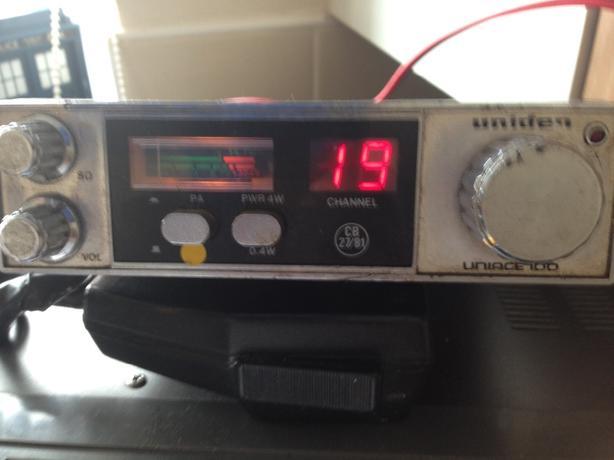 cb radio uniden uniace 100.   80 channel