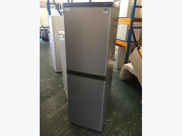 🏵☀️clean silver frostfree beko huge fridgefreezer