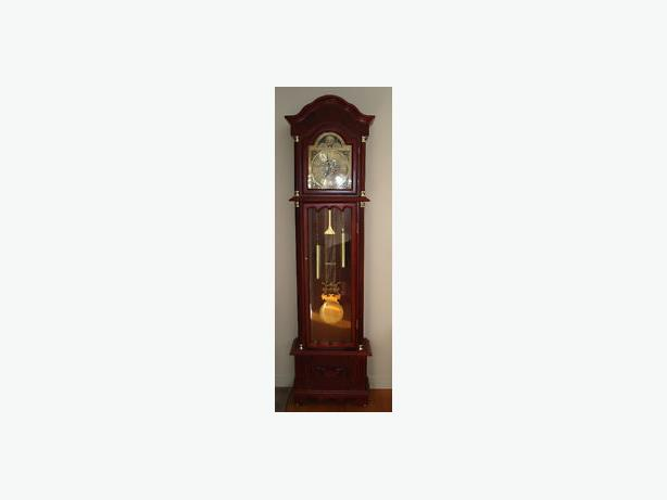 Daniel Dakota Grandfather clock