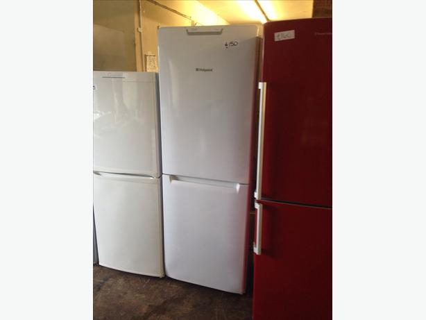 HOTPOINT FRIDGE FREEZER FROST FREE089