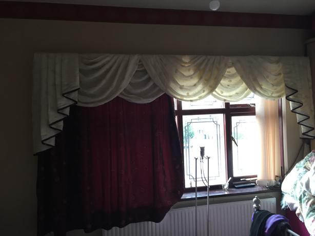 CURTAINS, SWAGS & TAILS