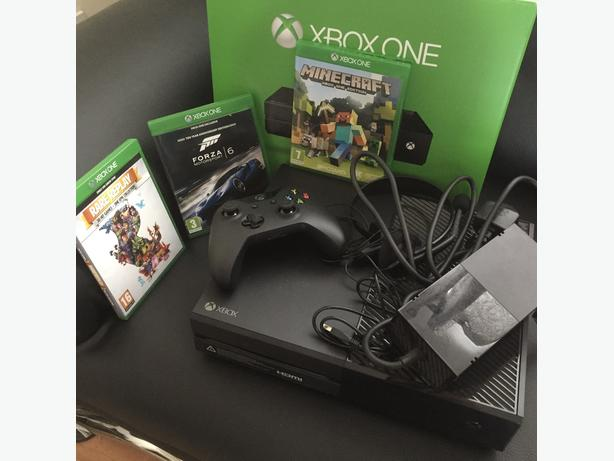 Boxed Xbox one 1TB (1000GB) with 3 great games all great condition.