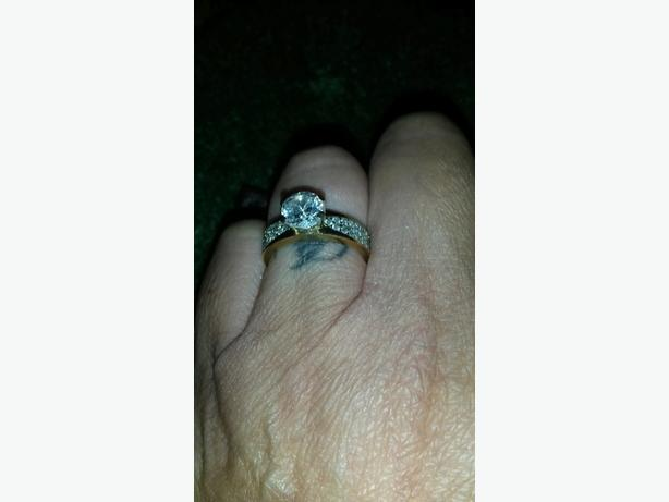9 crt gold ring