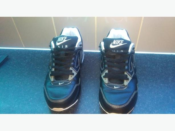 mens size 8 nike trainers