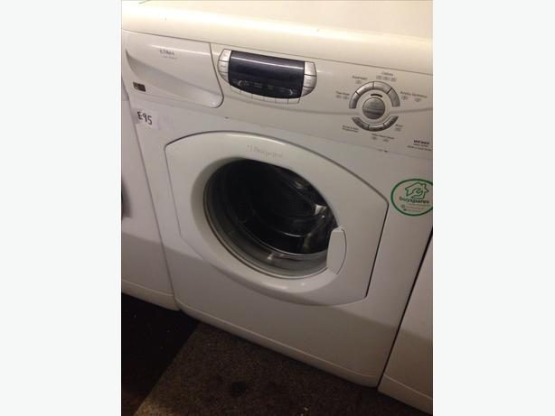 HOTPOINT 6KG WASHING MACHINE082