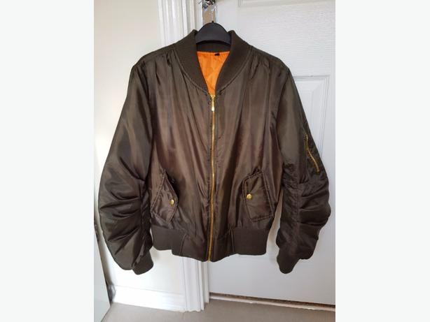 Woman's dark green Bomber jacket