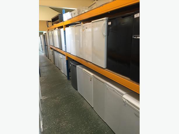🏵🏵 fridgefreezers chest freezers washers cal 01902 863838