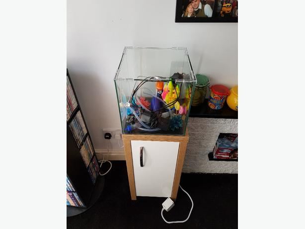 fish tank with filter and light