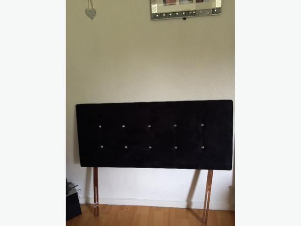 black dimantie head board