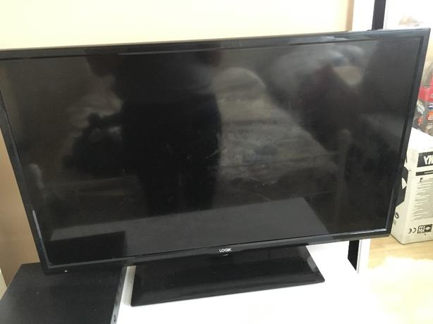 "32"" tv with freeview"