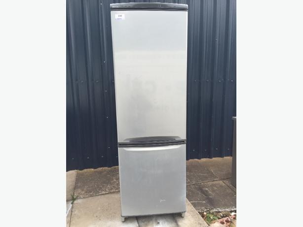 ☀️☀️ silver beko fridgefreezer free delivery
