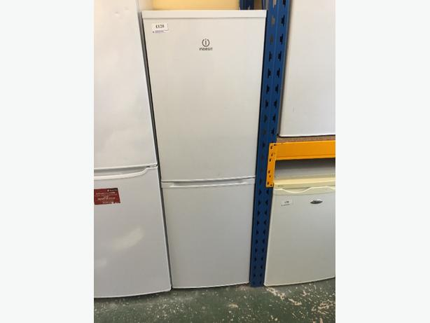 🌀🌀clean indesit fridgefreezer free delivery