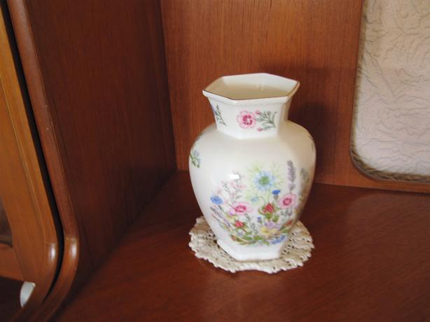 2 Wild Tudor Vases