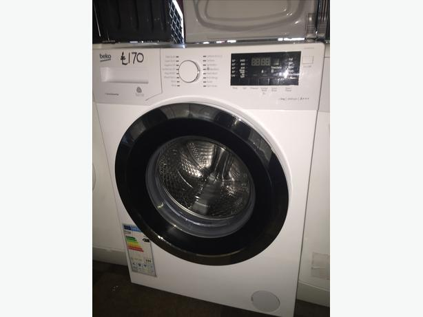 LOVELY LOOKING BEKO WASHING MACHINE- 9KG - CHROME DOOR